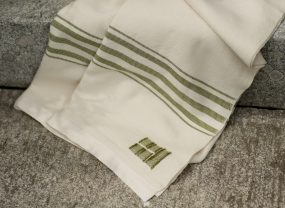 Grace Throw, White with Tarragon